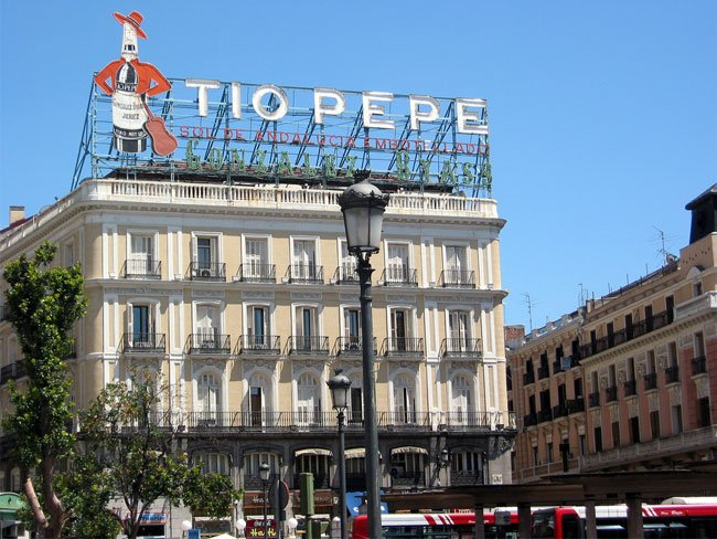 Tio pepe puerta del sol madrid hostal madrid hostel for Tio pepe madrid puerta del sol